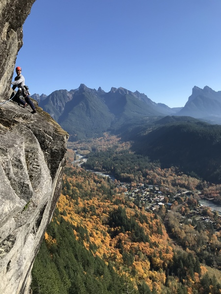 Jack Andrew on the alternate pitch 3 of DGS (5.9) at the Upper Town Wall. Photo credit Daniel Jeffery.