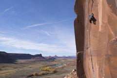 Rock Climbing Photo: Paddy O'Mara on Scarface in the fall