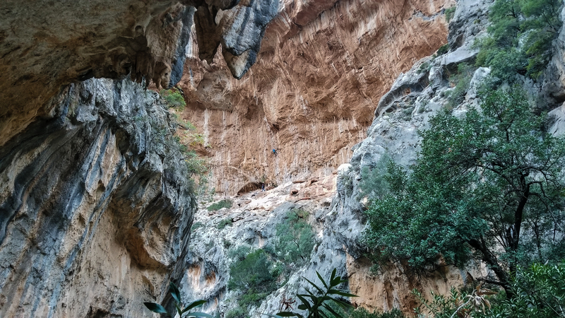The Hada area is in a super cool, narrow canyon that's worthy of a hike on its own.