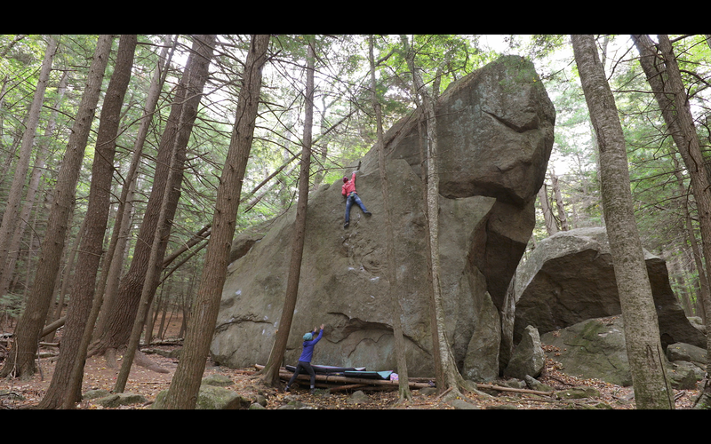 Sticking the thank god jug at the 25 foot mark on 'The Dream Of Life' (v7).