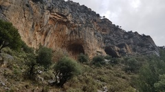 Rock Climbing Photo: Twin Caves. The left cave is wicked impressive wit...