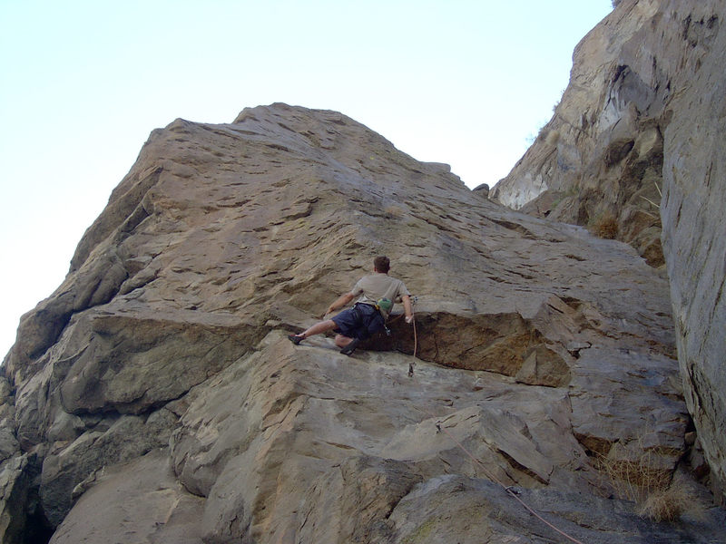 Mike Arechiga on, Supergroveler. 5.10d/11a. Awesome route!!!