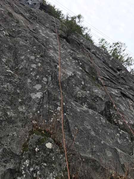 Shows the rope hanging on routes 5 and 6.