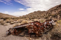Rock Climbing Photo: The road into Box Canyon is pretty rough. Some veh...