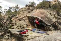 Rock Climbing Photo: Traversing Big Bottom Lip.