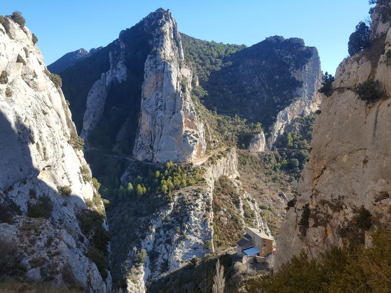 Hiking towards the arches and around the Craig's above Abella de la Conca.