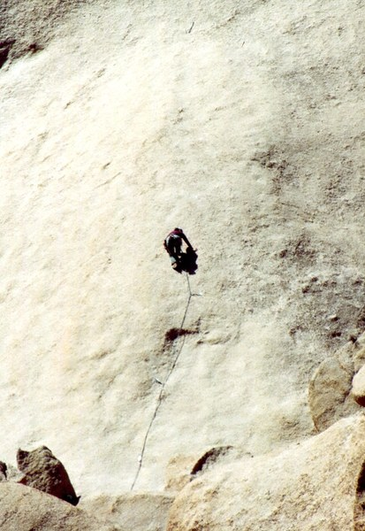 Tuyet Tran passing the crux on 9 Millimeter.