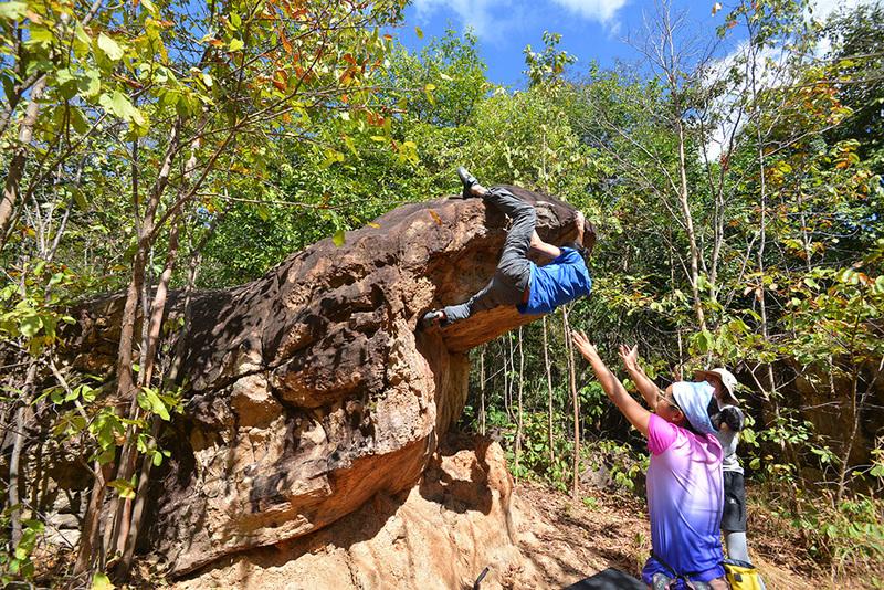 Bon on the Cobra Head Boulder