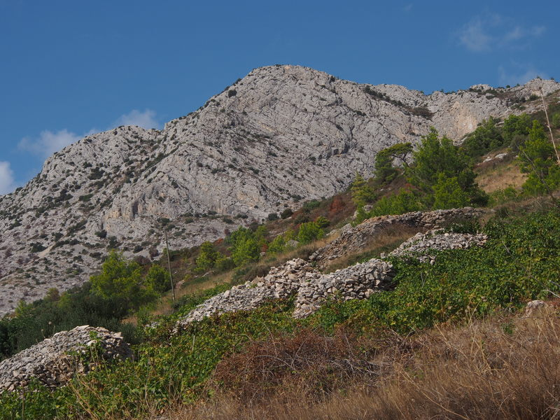 Cliffs on the way to Sveta Nedilja