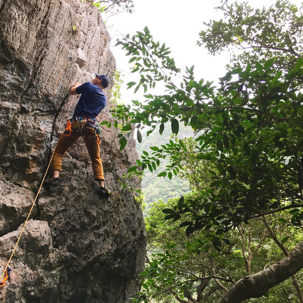 Alpine Creed Mtn Guides own Hunter Creed cruises past the crux