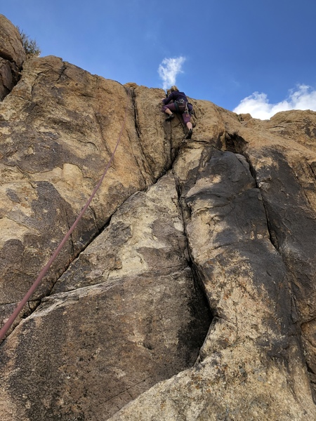Michelle Watkins finishing Middle Chemtrail Crack 5.8.