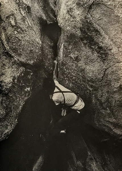 Chris Gonzalez leading the first ascent of El Rey. Seconded by Oliver Moon (photo: Chris Perez)