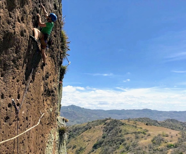 Racing the pump to the chains on Last Minute (5.10d)