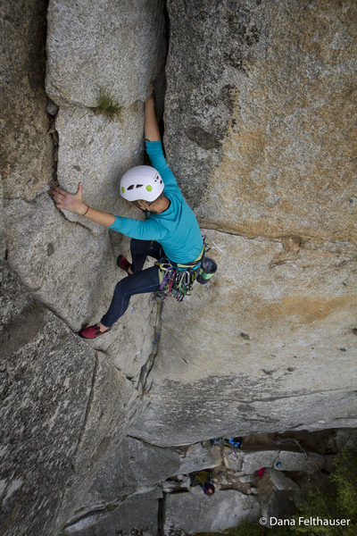 Kaya takes on Keystone Corner for one of her first trad lead climbs<br> Pic: www.danafelthauser.com
