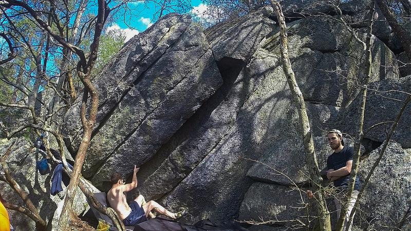 Table rock : bouldering - reddit.com