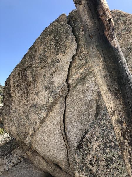 Big Flake, Running Man Boulder, Peanut Boulders area