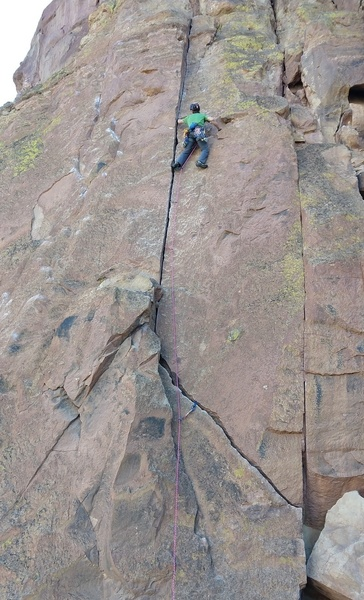 Got the redpoint on my second attempt of this route. The crack gloves were not needed, and only made it harder.