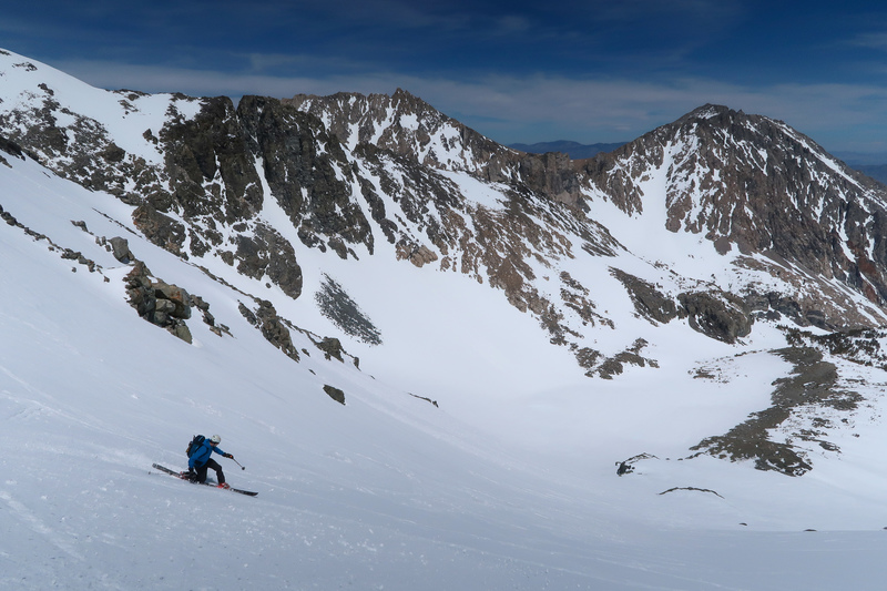 Skiing the E face of Mt. Gould