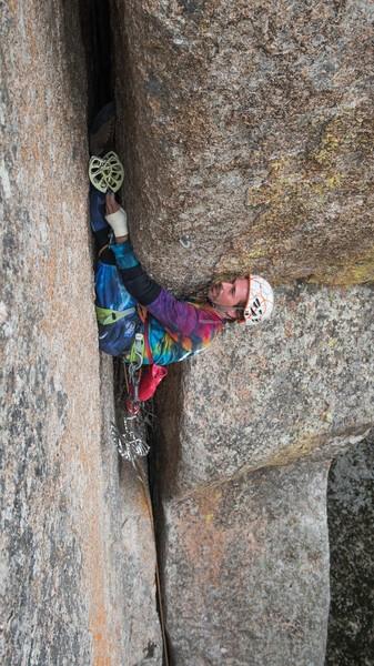Placing a cam leading is hard on de abs!<br> <br> Photo credit: Tayler J. Schwab.
