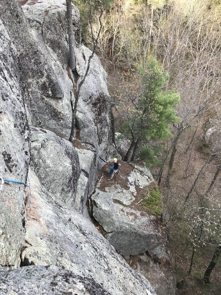 Belay ledge on top of P1. The exposed traverse is just out of view.
