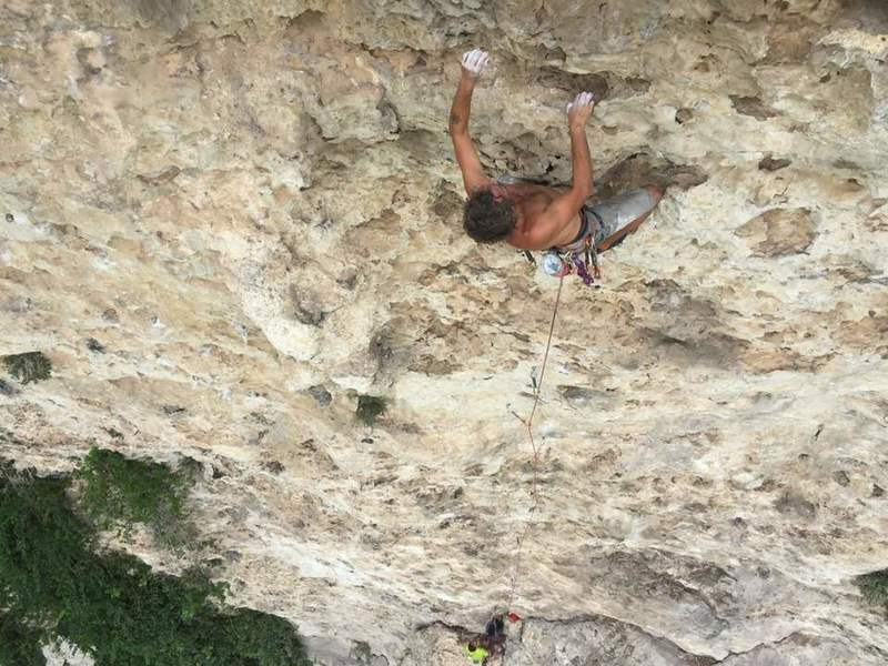 Getting cardio on the long pitch of La Avispa.  A minimum rest on these handholds can help to regain some energy for the steep finish to the anchors at 30m.