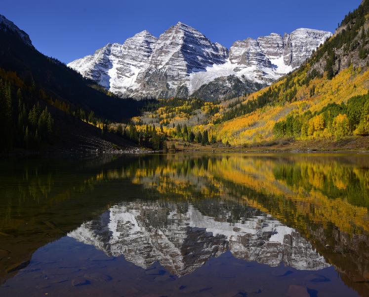 The classic autumn reflection shot.