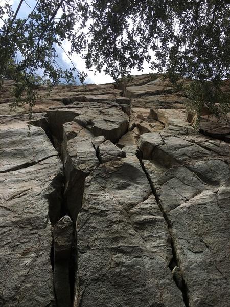 Lots of looses rocks