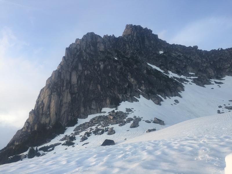 The route follows the ridge.