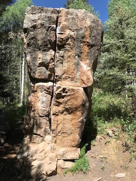 Illium bouldering crack.