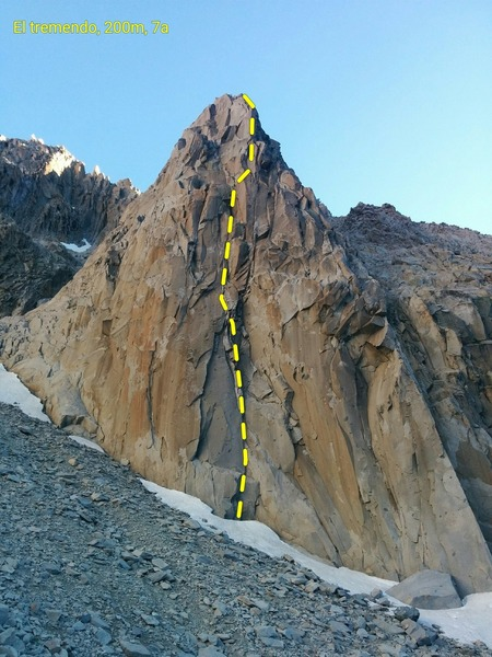 El tremendo, route on the first spike on the right of the Brujo amphitheatre