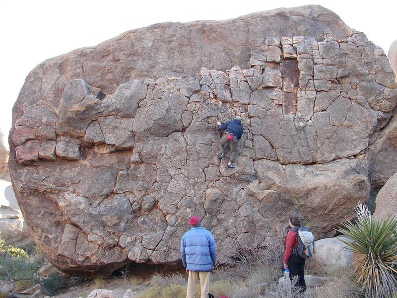 Good bouldering highball. Close to Sun Runner.