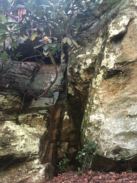 Pride Rock, Off-Width Crack, Buford Dam Boulders, Ga