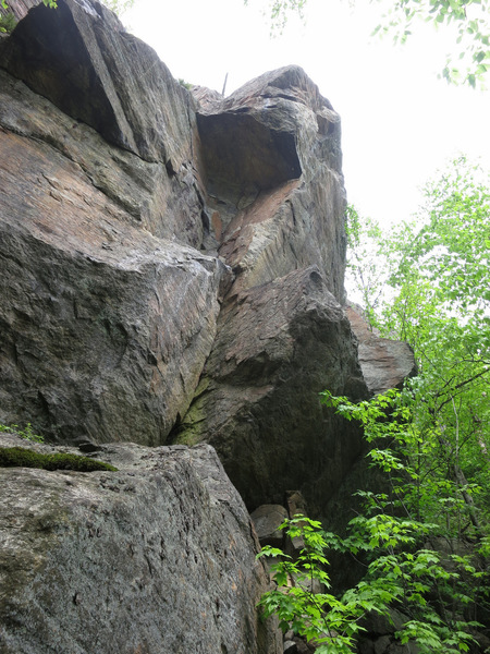 Hot Compress (5.12a) goes up to the large roof, then around on the right side.