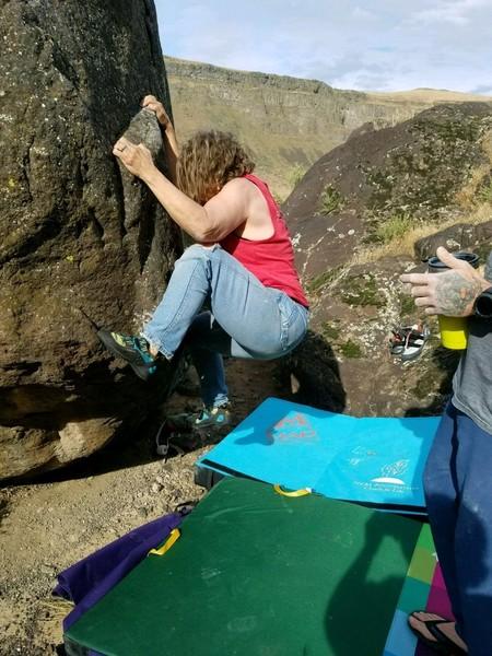 Swan Falls bouldering, sit start