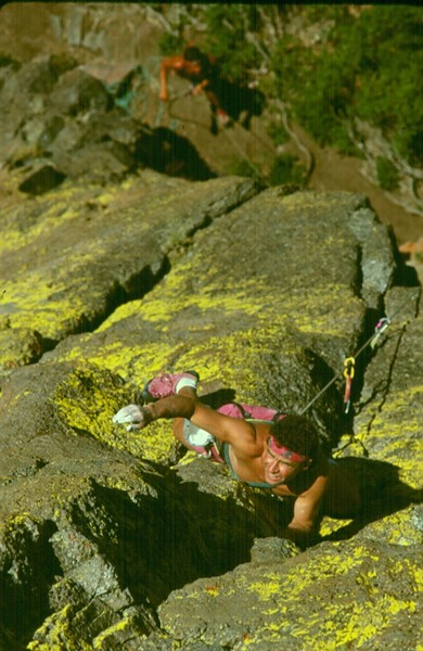 Paul Teare Leading first pitch on an early ascent of Kalumete Arete (mixed).