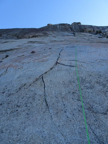 The start of pitch one. Make sure to have a 70m rope if you starting from this crack. For a 60m rope, start farther uphill (to the right).