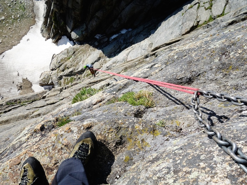 Rap from the chain anchor if you have double ropes. If you have a single 70m, it is probably best to rap from the anchor about 100 feet to climber's left of this (without chains as of July 2018).