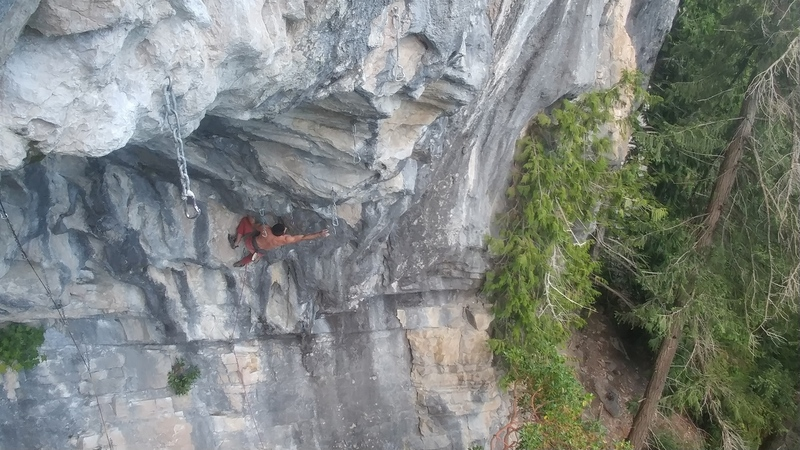 Moving into the first crux.  Photo courtesy of @theislandrockwarrior
