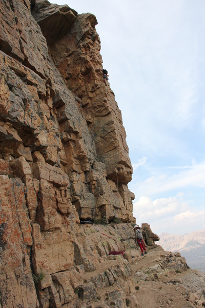 Zack enjoying the wind and the views on the AHVI arete