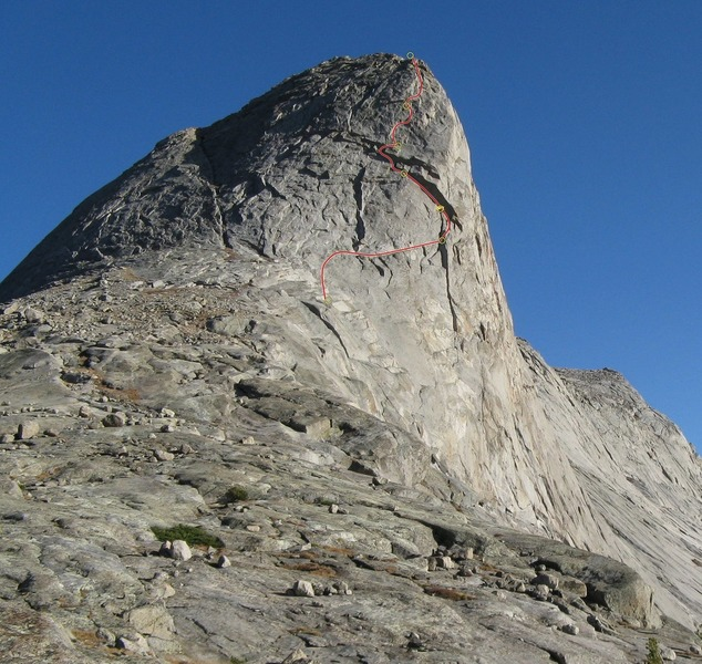 Overview of the upper part of the route on the NW Face.