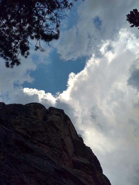 Crag and clouds, 8000 Foot Crag