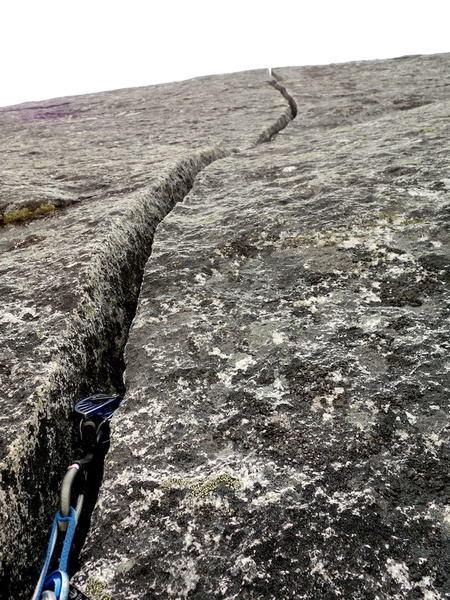 3-inch crack on Pitch 6.