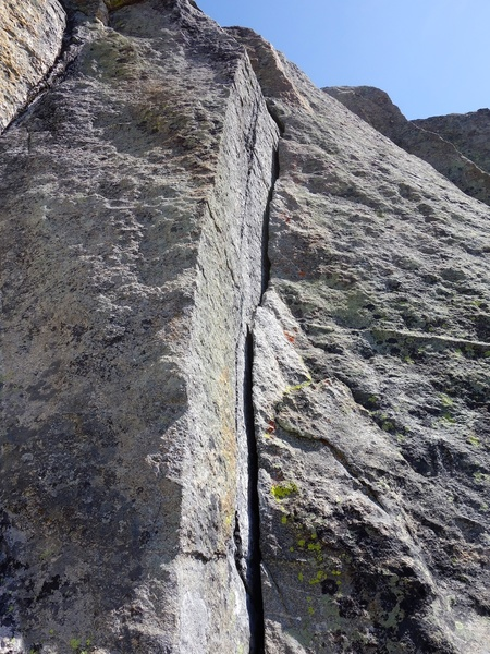 Hand crack on Pitch 5.