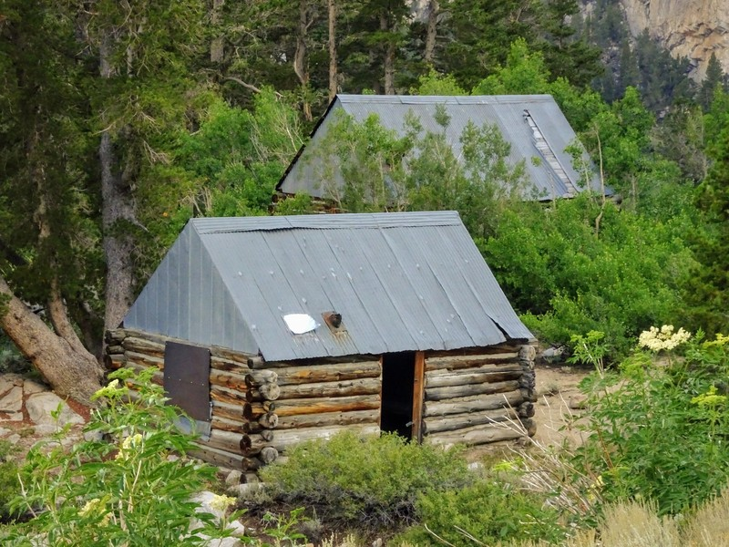 mining cabins found along the Horton Lakes Trail