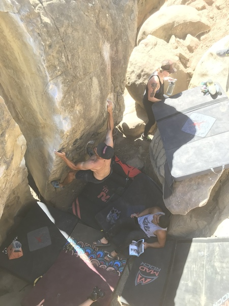 arete behind split rock
