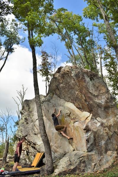 Nathan Witt climbing Myomeres on the Shark Fin Boulder
