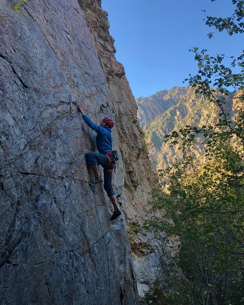 Getting through the crux with bomber 000 and 00 c3's at the feet.