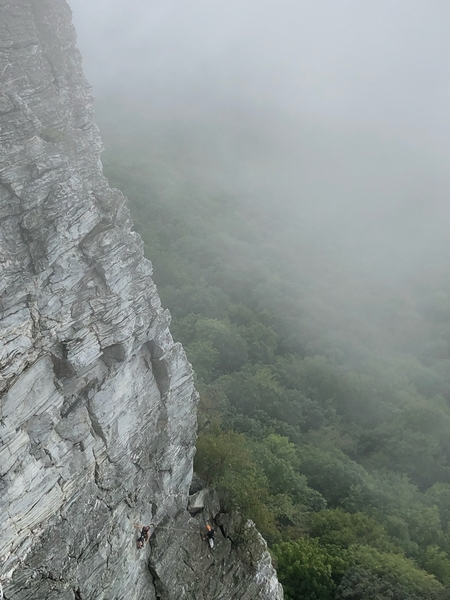 Zoo View: P2 start, leader clipped to the bolt <br> [huge thanks to the unknown NC climber who took the pic]