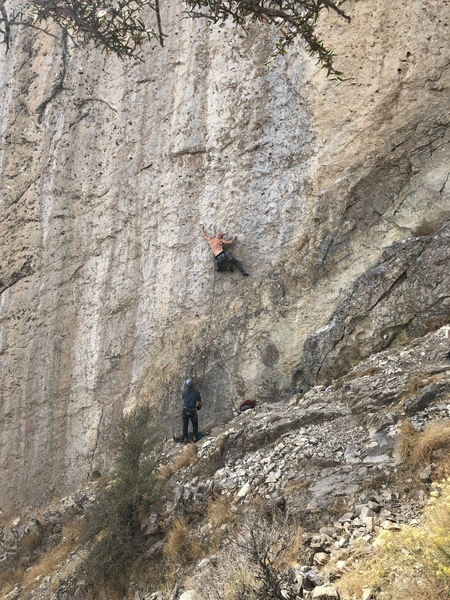 Kyle Sherby on-sites Dinner Roll, 5.12c