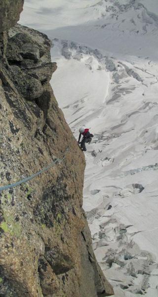 Pointe Adolphe Rey: Police des Glaciers, Pitch 8